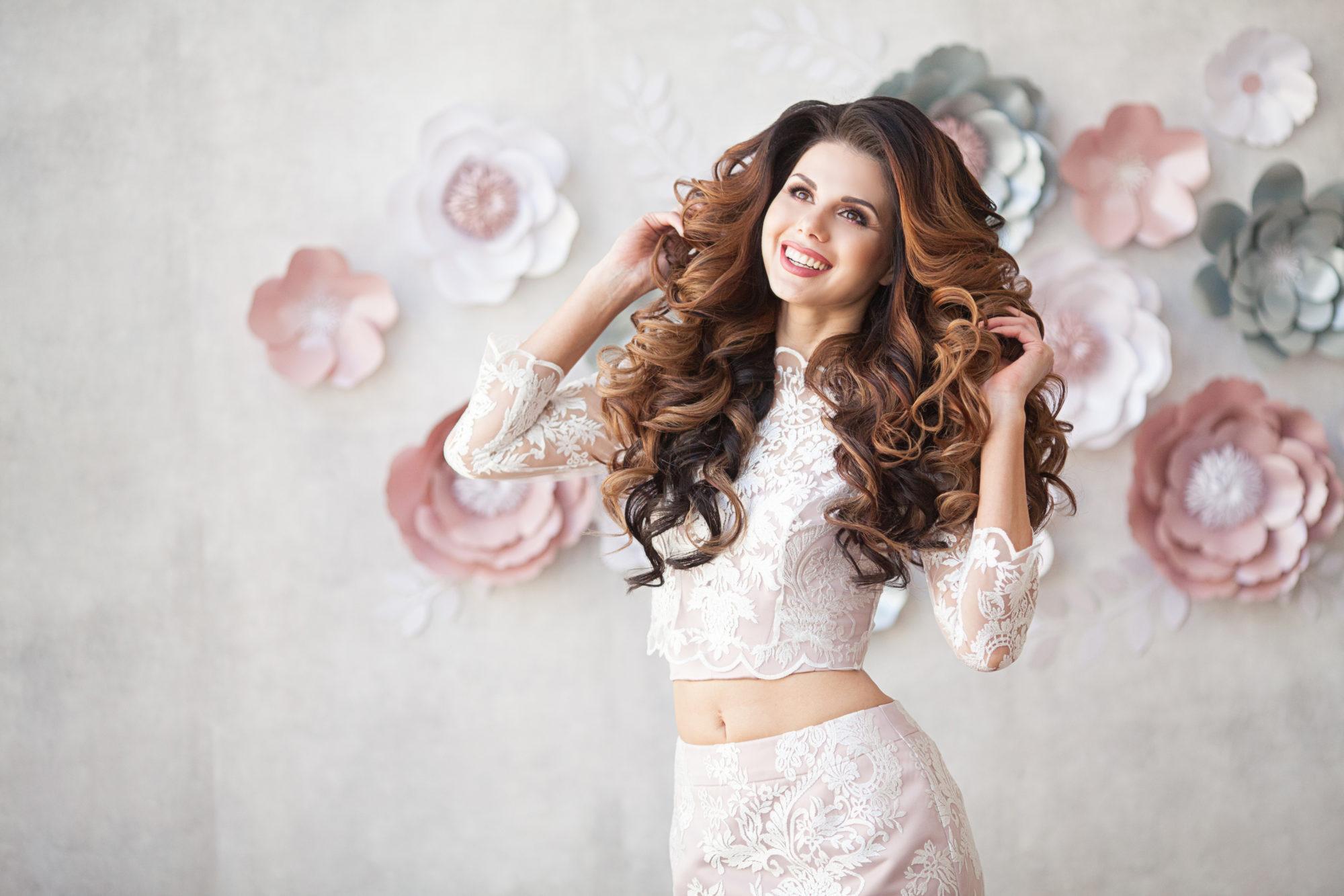Model-Evgeniya-Rusinovskaya.-Syomka-dlya-svadebnogo-salona-Aliza-4-e1524741894361